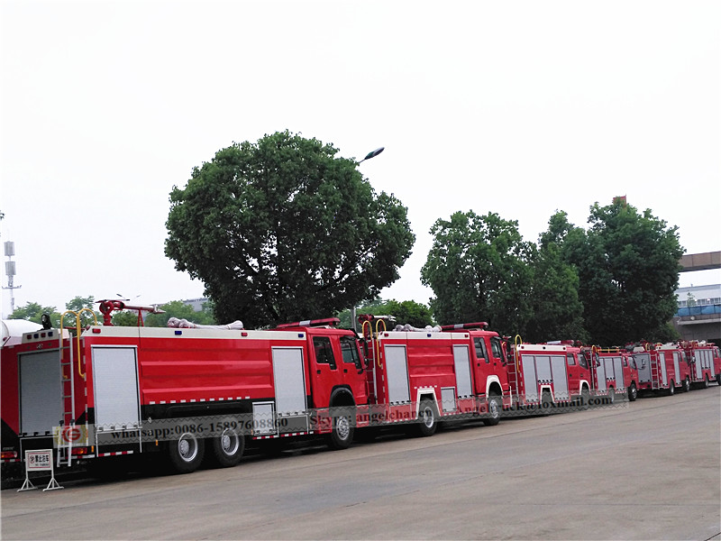 Fire fighting apparatus truck